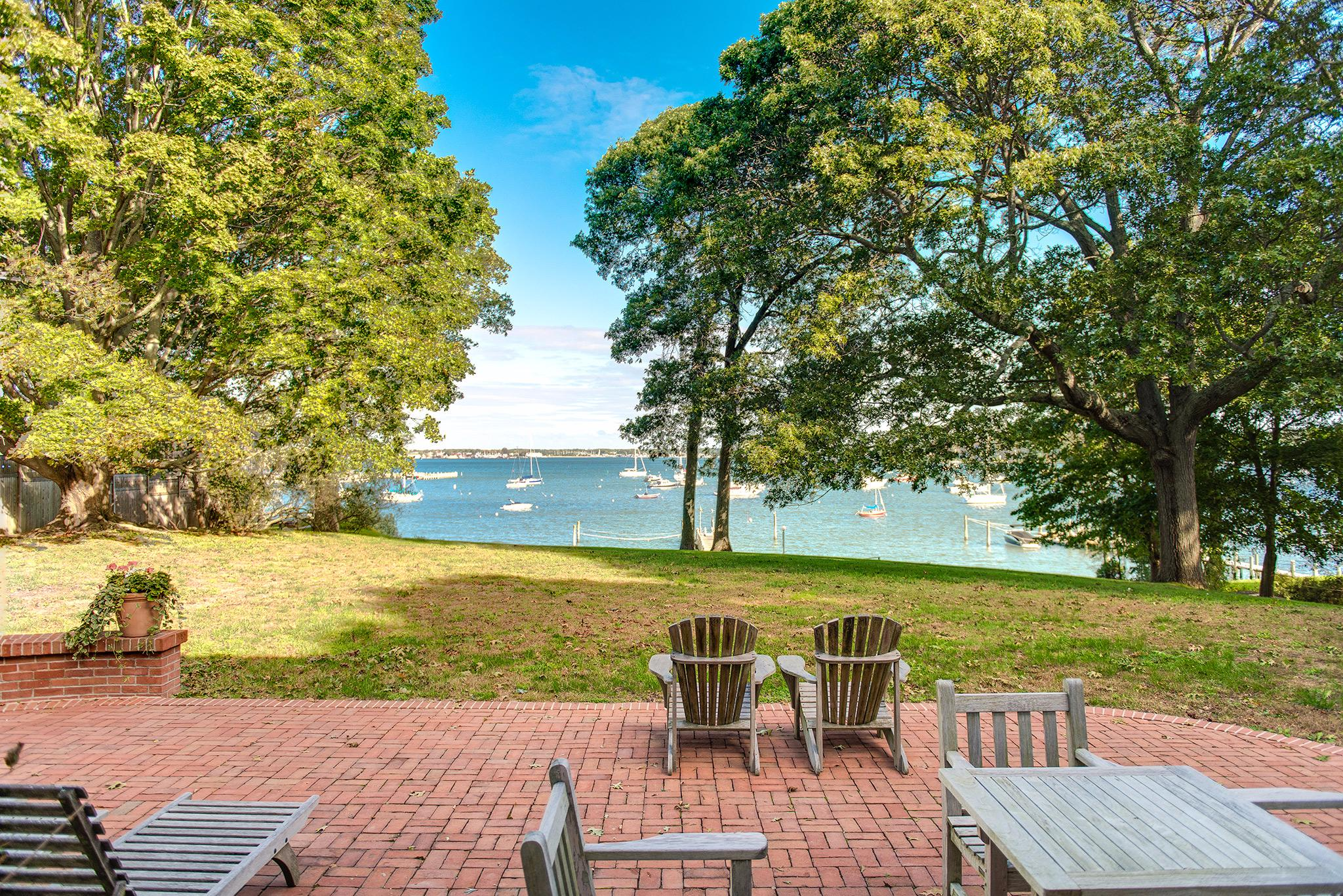 Additional photo for property listing at Shelter Island 1890 Dering Harbor Colonial With Deep Water Dock 1 Winthrop Road,  Shelter Island Heights, New York